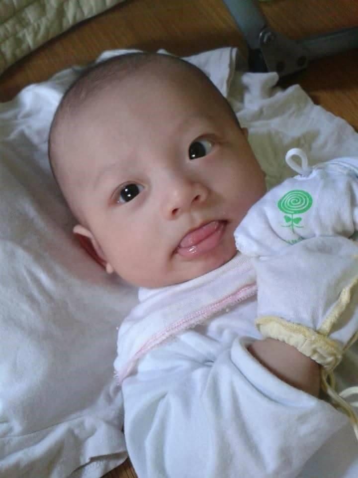 Ngày mới sinh, bé Hiếu trộm mụ nên bụ bẫm, nặng hơn 4 kg (Ảnh: NVCC)
