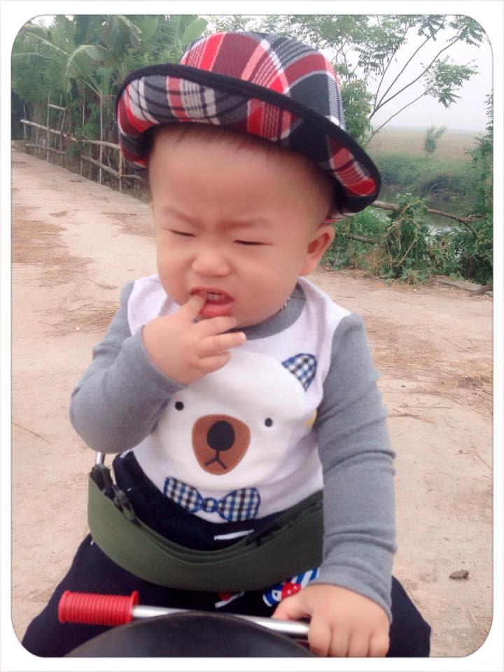 """Mới 2 tuổi, Subin đã """"lên chức"""" làm anh. Đi nhà trẻ sớm khiến cậu bé ho, sổ mũi liên miên(Ảnh: NVCC)"""