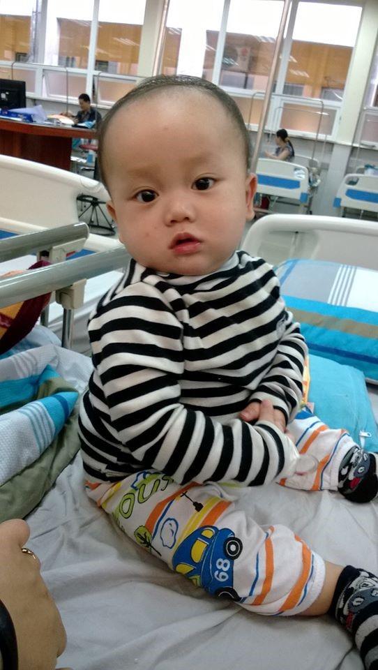 Bé Sơn tái nhập viện Nhi vì viêm tiểu phế quản hồi 10 tháng tuổi (Ảnh: NVCC)